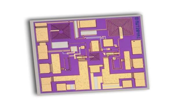 5G、VSAT、PtoP用高出力MMICアンプ